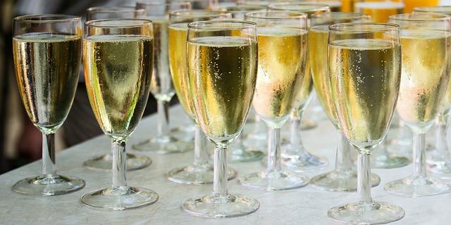 šampaňské sklo