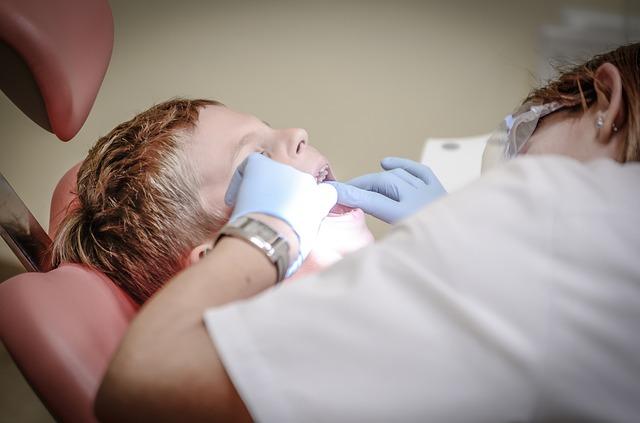 chlapec u zubaře